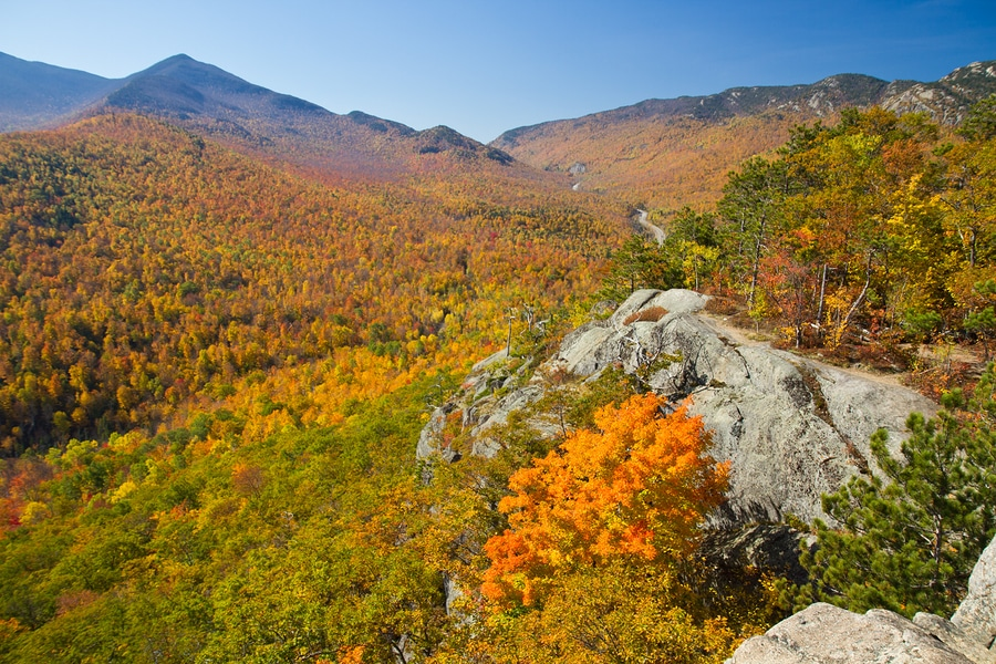 Fall Foliage Sightseeing :: Upstate New York Inn - Adirondack Hotel, Friends Lake Inn