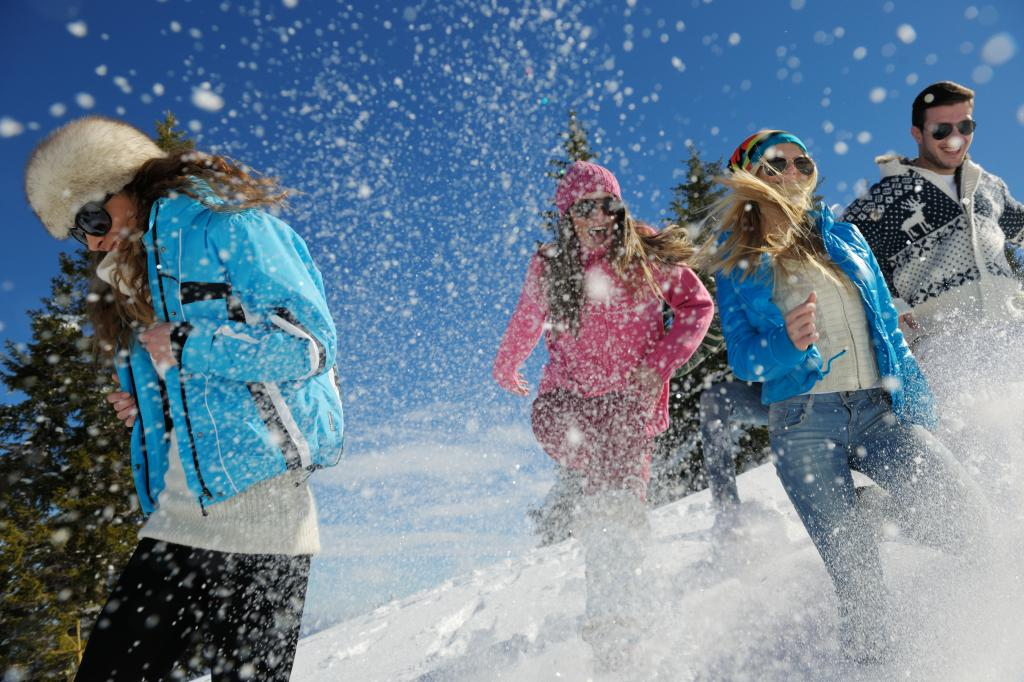 Winter Packages :: New York Snowshoeing & More - Adirondack Hotel, Friends Lake Inn