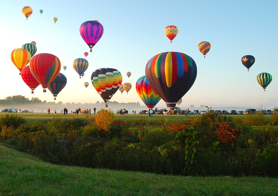 Adirondack Balloon Festival :: Top Rated Adirondack Hotel - Adirondack Hotel, Friends Lake Inn